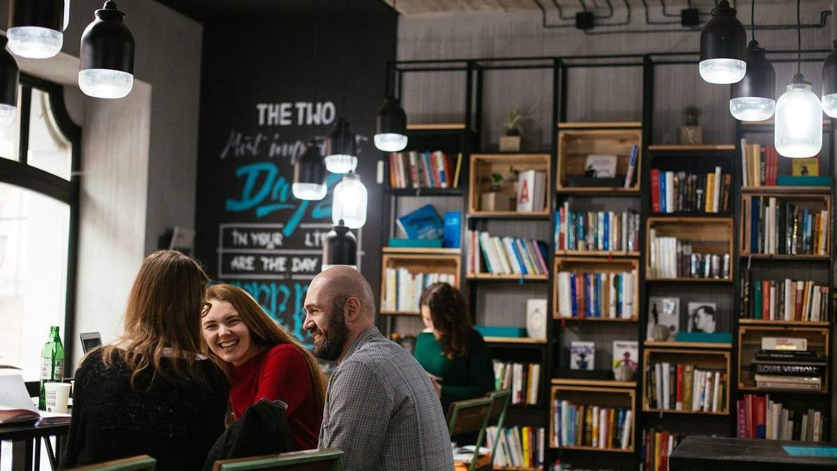 Офісна бібліотека: для чого і що таке Book Box