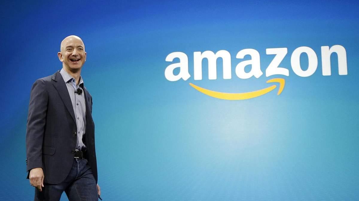 Логотип Amazon: Джефф Безос был в восторге и сказал смешную фразу