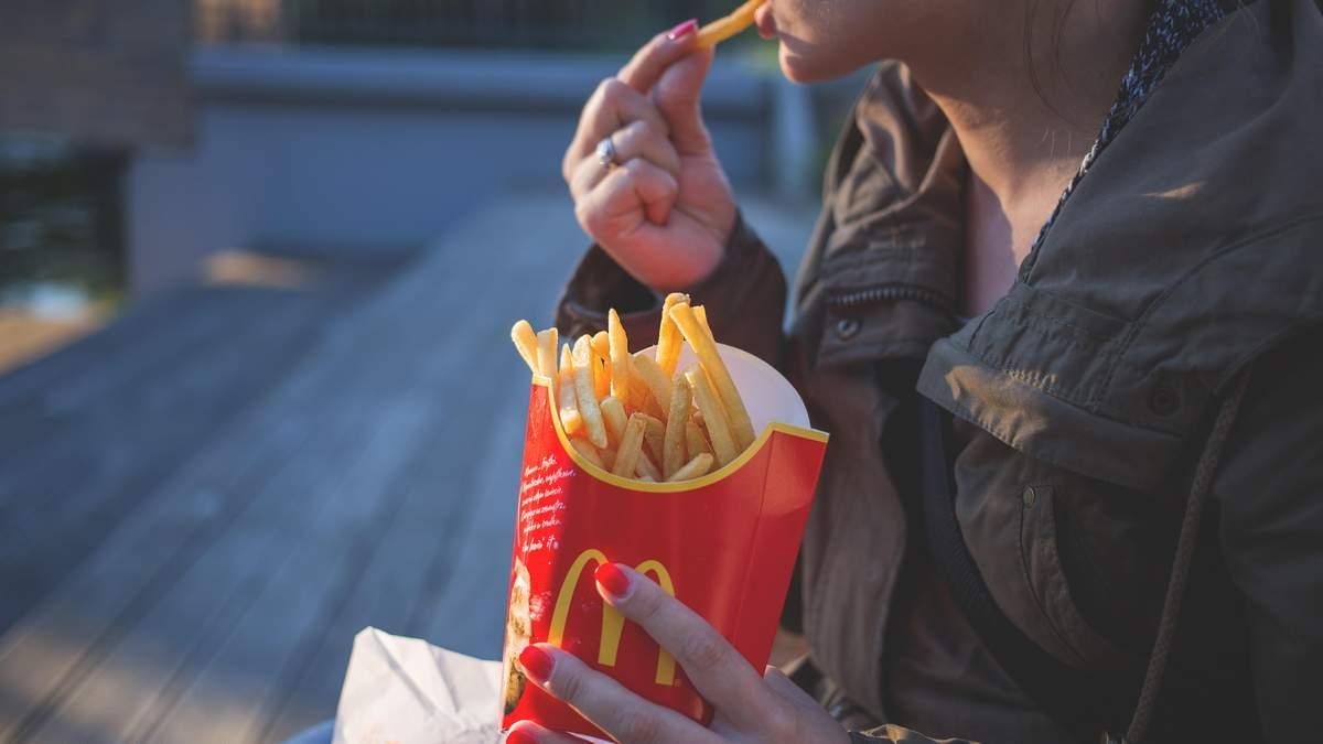 У McDonald's почали платити людям, лиш би ті прийшли на співбесіду