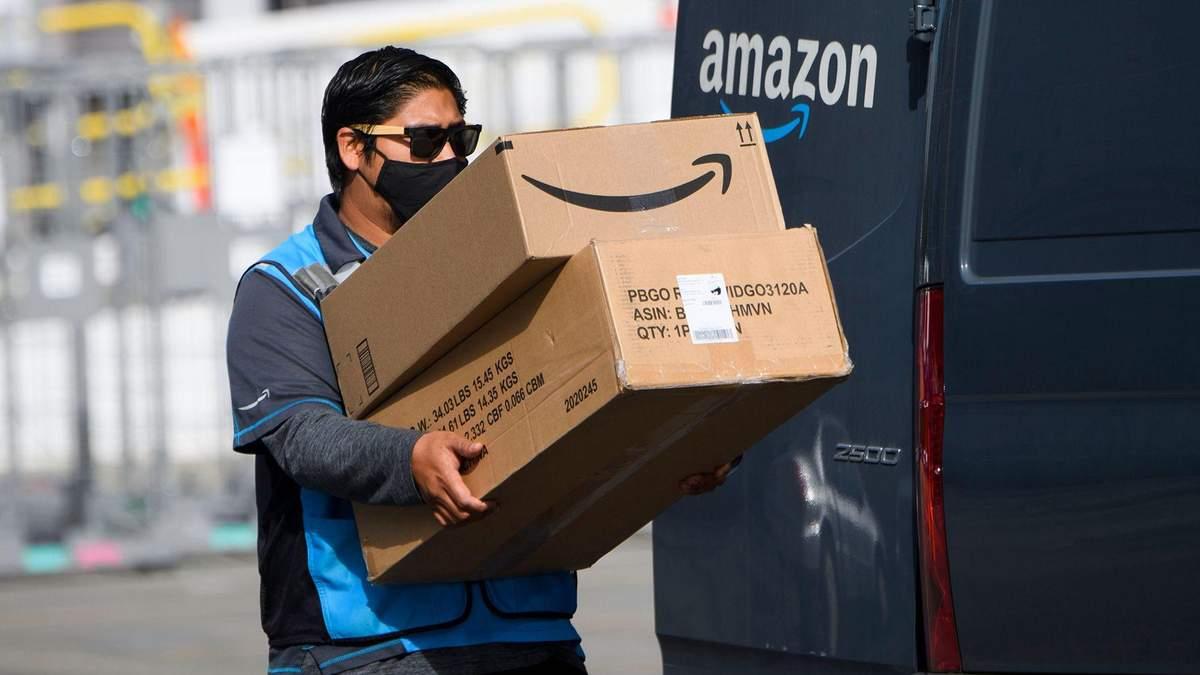 Водій Amazon delivery у Каліфорнії