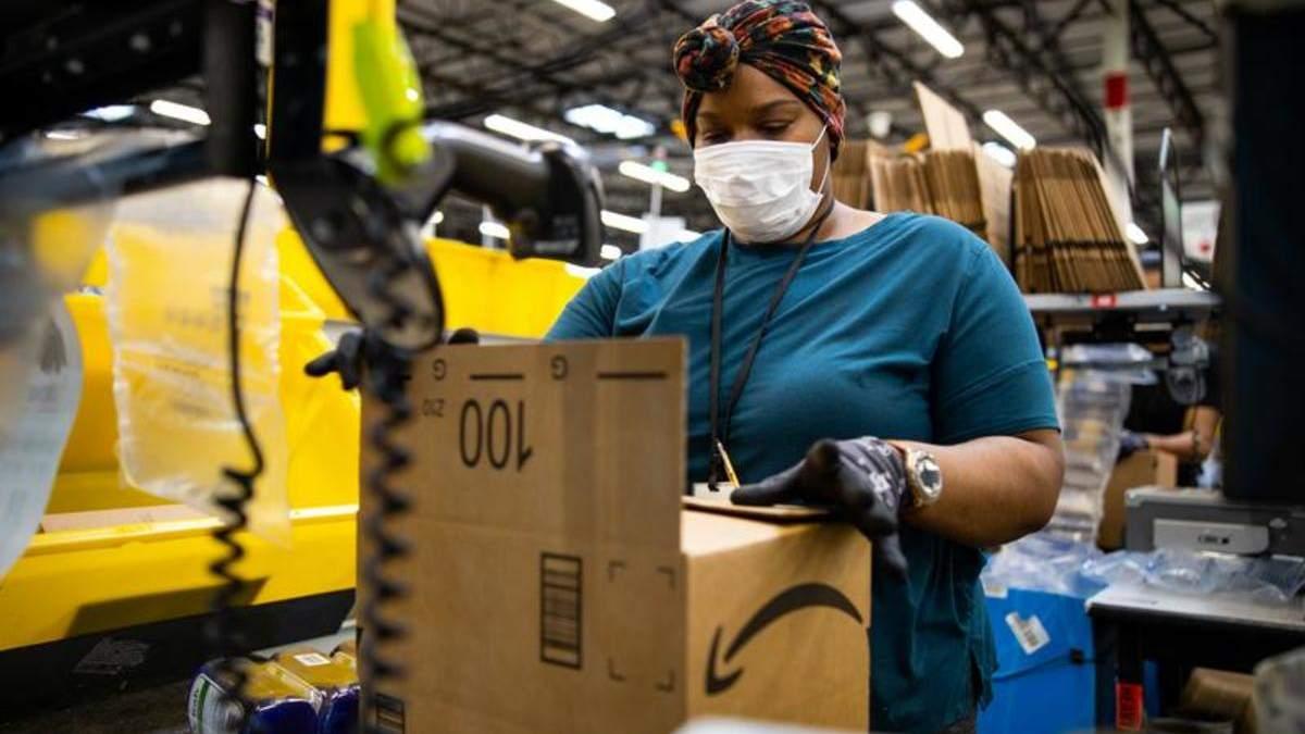 В Amazon наймають працівників, щоб згодом їх звільнити