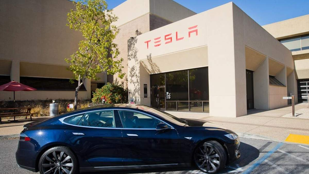 Tesla виплатить 16 тисяч доларів кожному власнику авто в Норвегії