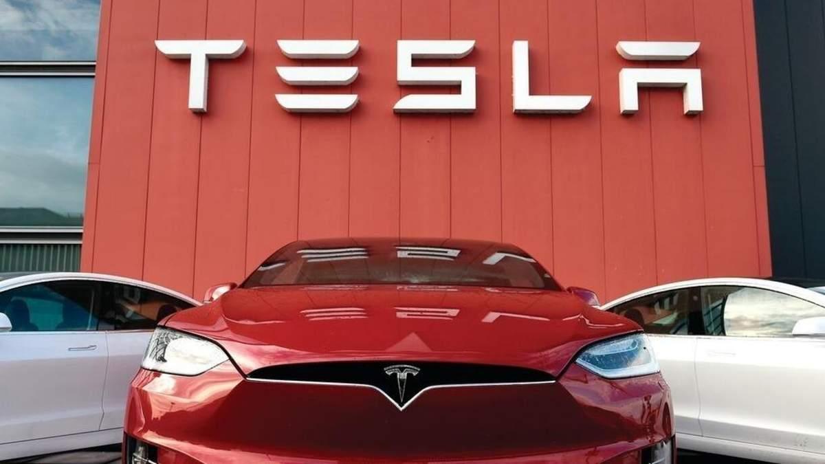 Tesla може відкрити власні ресторани: заявка на товарний знак