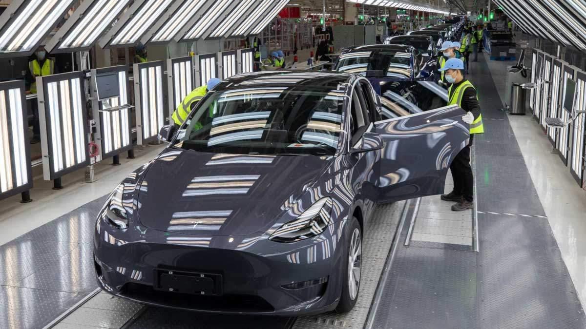 Производство Tesla на заводе в Шанхае