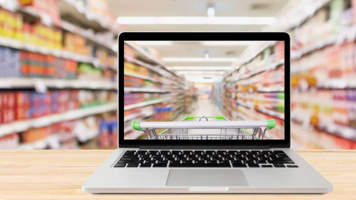 Выбор между оффлайн и онлайн покупками нелегкий