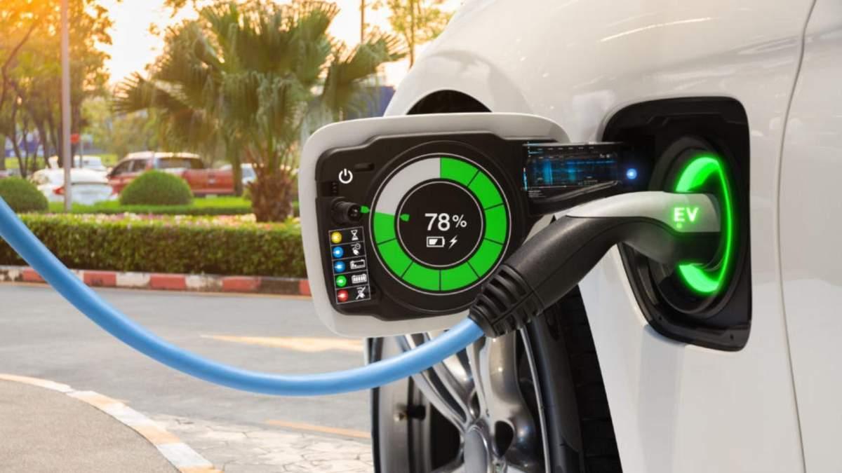 Електромобілі витісняють класичні авто з ринку