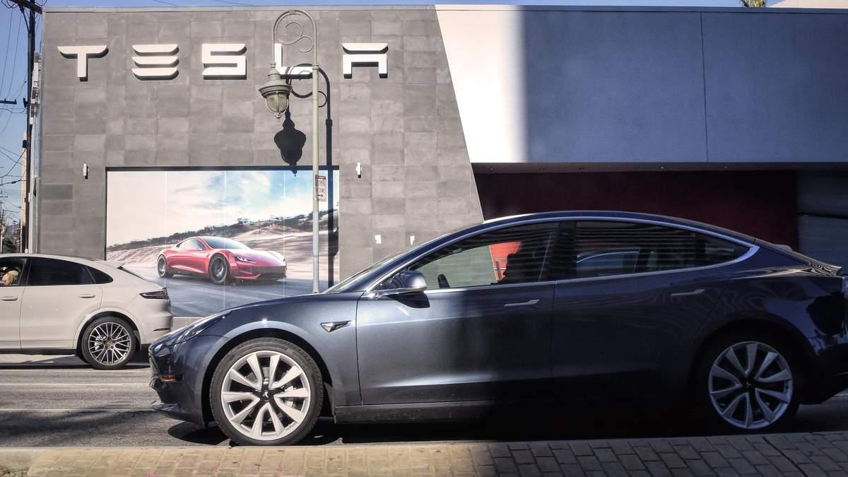 Производство и продажи Tesla стремительно растут