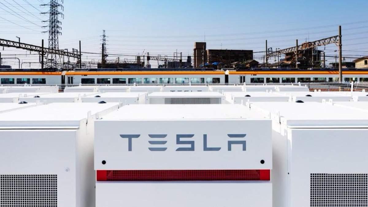 Tesla уразлива до настроїв у соцмережах