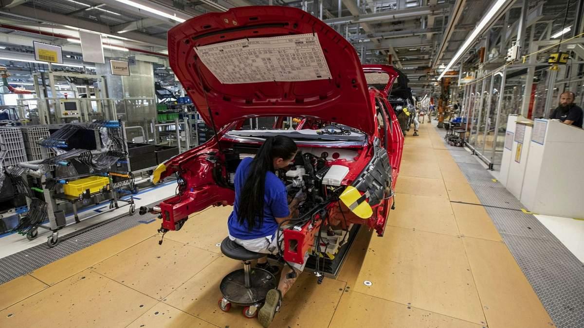 Автовиробники потерпають від фінансових збитків