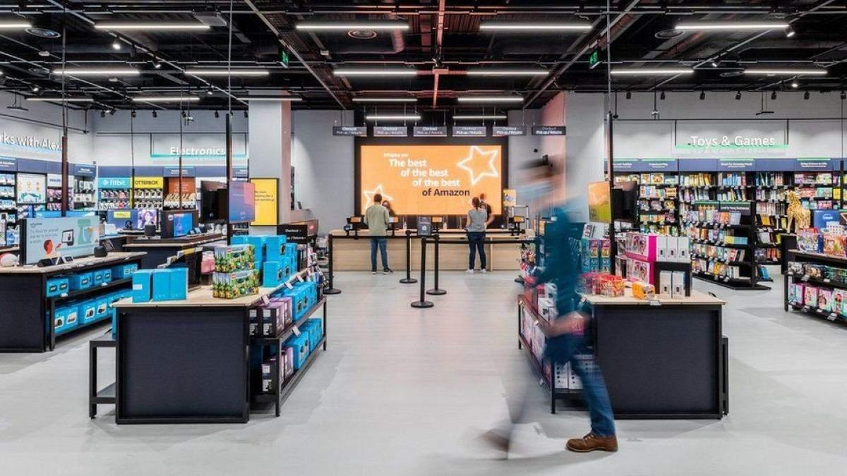Amazon открыла оффлайн-магазин в Великобритании