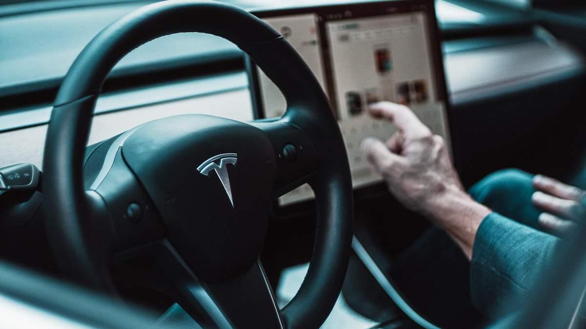 Tesla подняла цены на электромобили