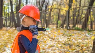 Неповнолітні працівники: все, що слід знати про порядок їх найму, праці та звільнення